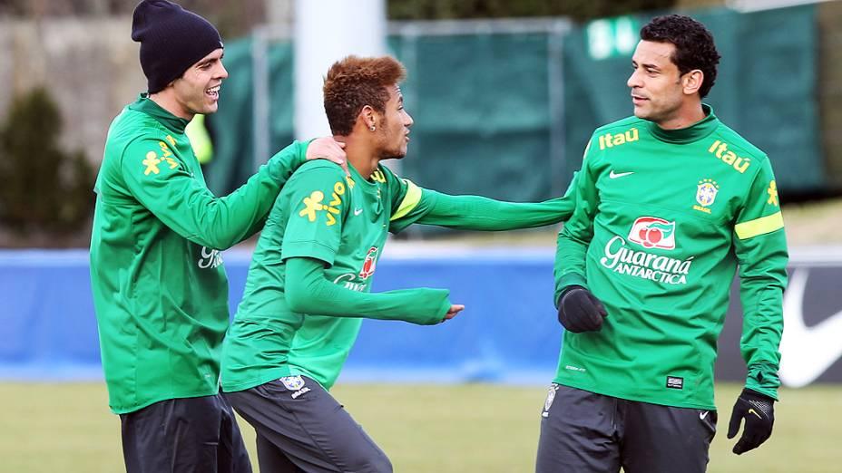 Kaká, Neymar e Fred durante primeiro treino da seleção brasileira nesta terça feira (19) em Genebra, Suíca antes do amistoso contra a Itália