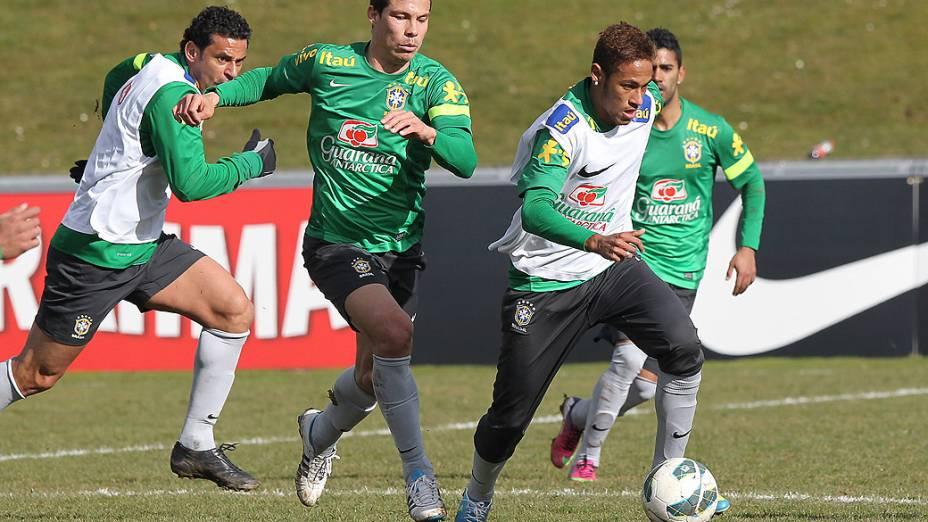 Neymar durante treino da seleção brasileira nesta quarta antes do amistoso contra a Itália em Genebra, Suíça