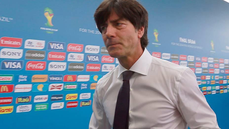 Técnico da Alemanha, Joachim Loew chega para o sorteio da Copa do Mundo de 2014