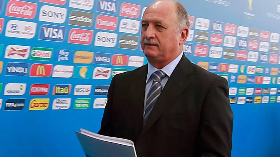 Felipão chega para o sorteio da Copa do Mundo de 2014