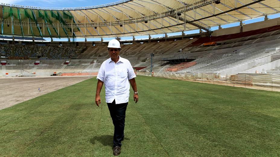 Implantação do novo gramado do Maracanã
