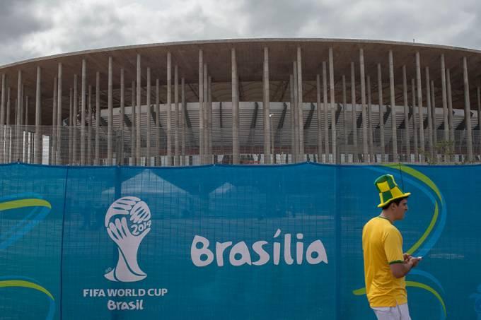 espote-futebol-copa-brasil-camaroes-20140623-03-original.jpeg
