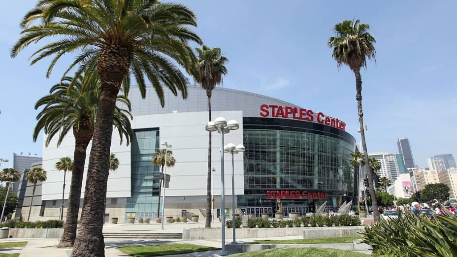 Staples Center, casa do time de basquete Los Angeles Lakers, também tem administração da AEG