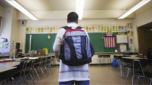 Senado aprova limite de peso para mochila de estudantes | VEJA