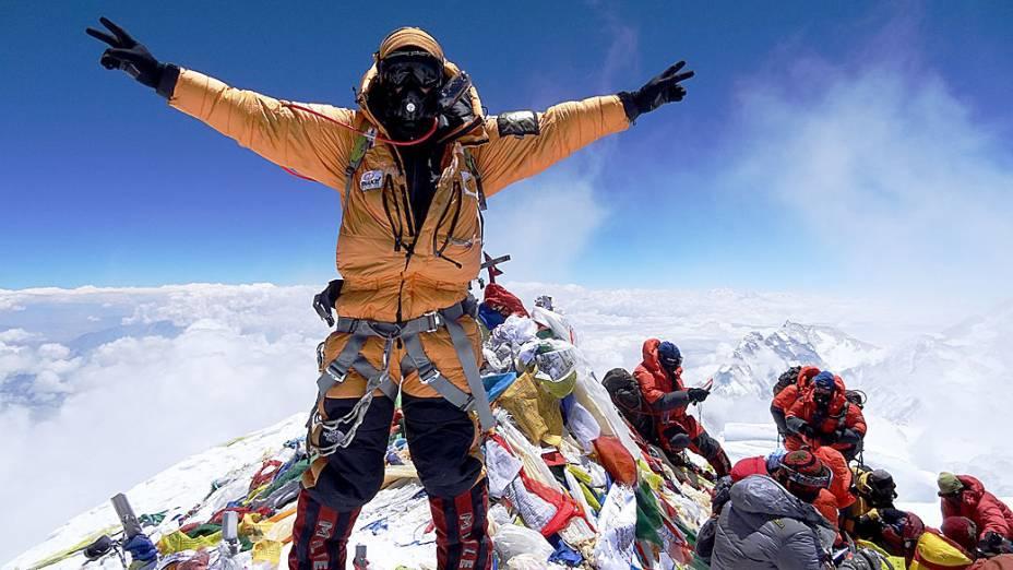 Rodrigo Raineri é o primeiro brasileiro a chegar ao topo do Everest três vezes