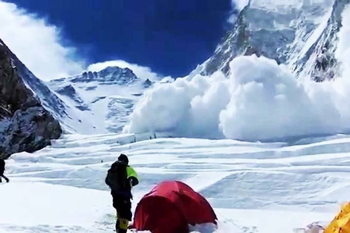 everest-mortes-avalanche-01-original.jpeg