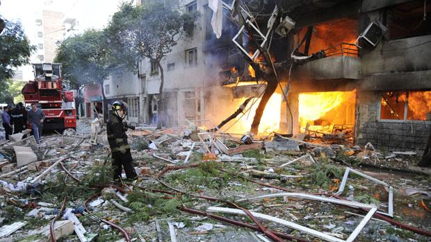 Forte explosão deixou pelo menos seis mortos e quase 60 feridos