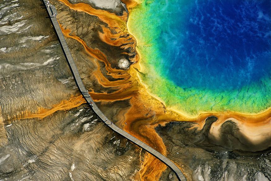 <p>Grande Fonte Hidrotermal Prismática, parque nacional de Yellowstone, Wyoming, EUA (44°31' N - 110°50' O)</p>