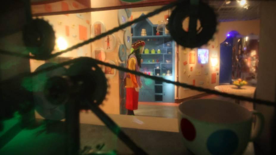 Engrenagens da cozinha na exposição sobre o seriado Castelo Rá-Tim-Bum