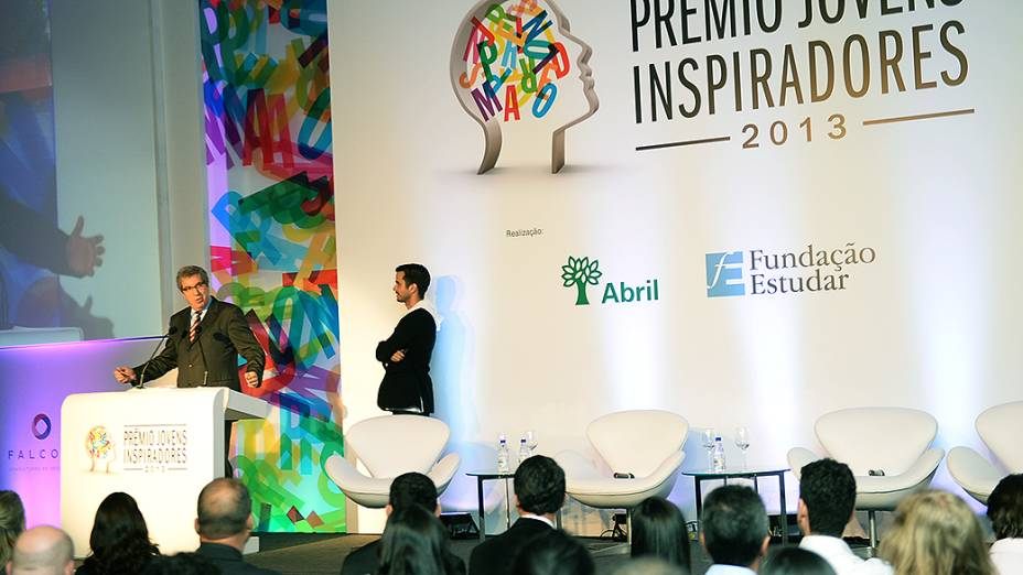 Presidente do Grupo Abril, Fabio Barbosa, fala durante o Prêmio Jovens Inspiradores