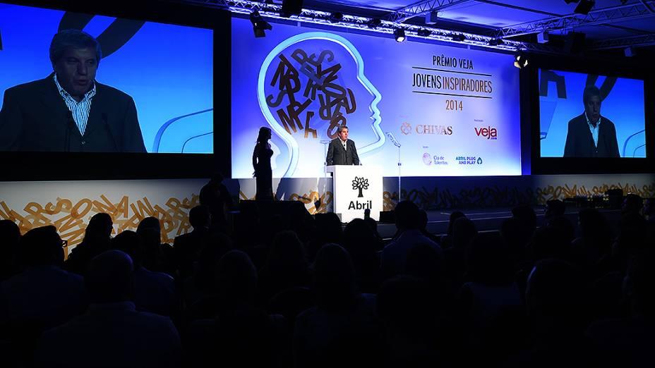 Fábio Barbosa durante cerimônia do Prêmio Jovens Inspiradores 2014, em São Paulo