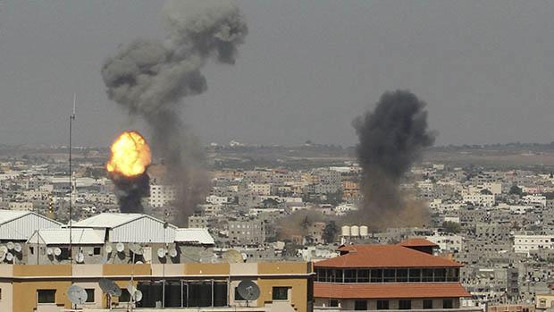 Bombardeio na Faixa de Gaza, em 08/07/2014