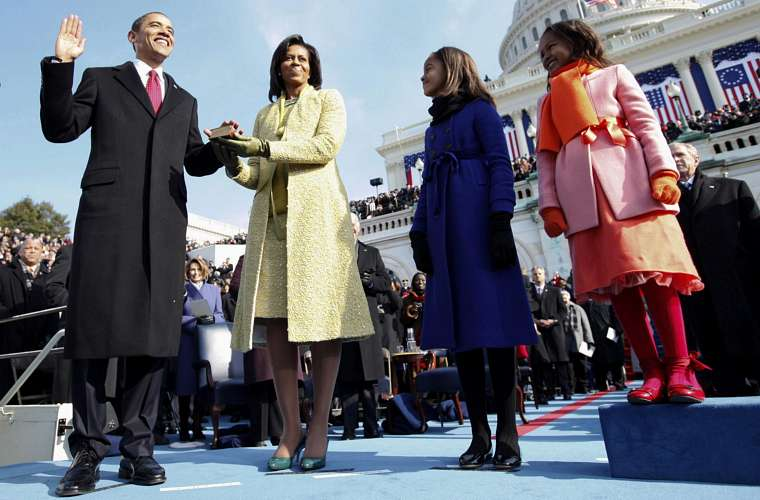 A família permaneceu unida no juramento do presidente no dia da posse, em janeiro de 2009.