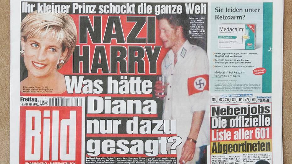 Em 2005, o príncipe Harry foi flagrado em uma festa usando um símbolo nazista