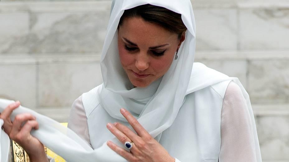 Kate Middleton não deixou de ser fashion, mesmo grávida  <br>  <br>