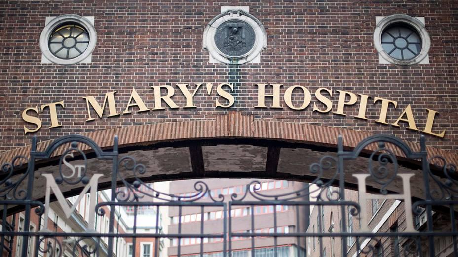 Hospital de Santa Maria, em Londres, onde a duquesa de Cambridge deu à luz ao futuro herdeiro do trono britânico e onde William nasceu