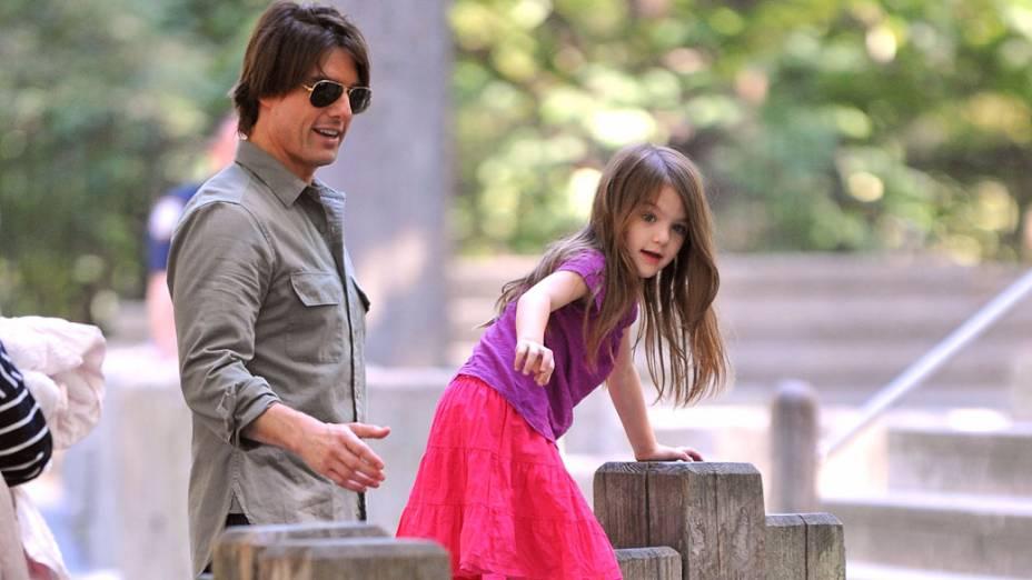 Tom Cruise e a filha visitam o Central Park em Nova York em 2010