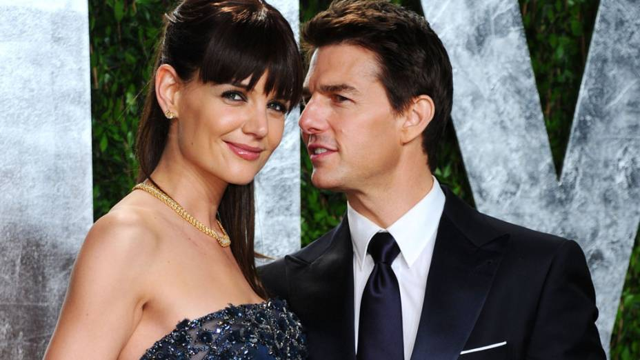 Katie Holmes e Tom Cruise chegam ao Vanity Fair Oscar Party 2012 em West Hollywood, Califórnia