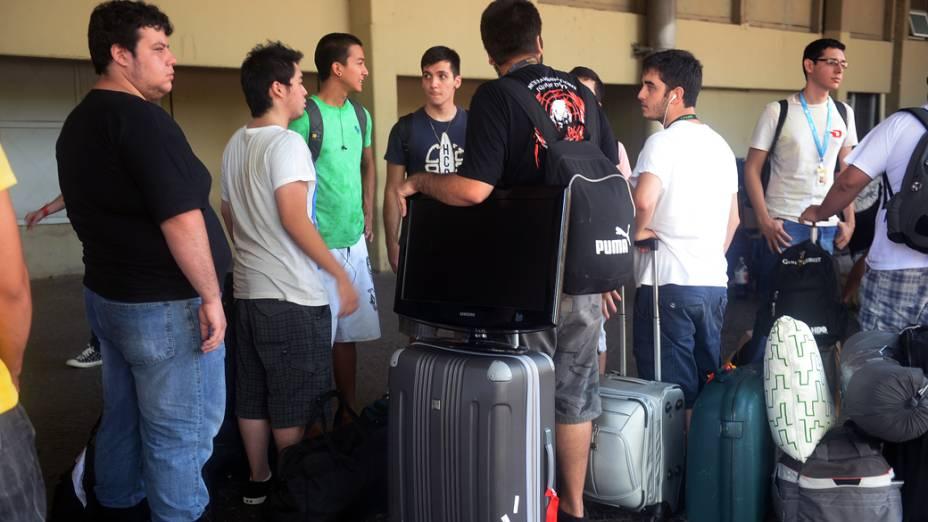 Participantes chegam para a 7ª Campus Party, no Anhembi, em São Paulo
