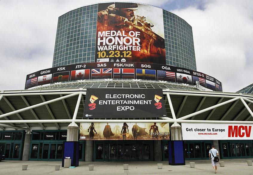 Los Angeles Convention Center, em preparação para a maior feira de games do mundo, a Electronic Entertainment Expo, mais conhecida como E3, em Los Angeles, Califórnia