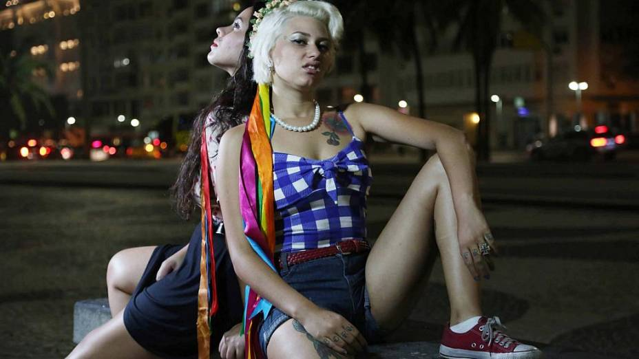 Femen no Rio: As ativistas Sara Winter e Chayene Chantilly