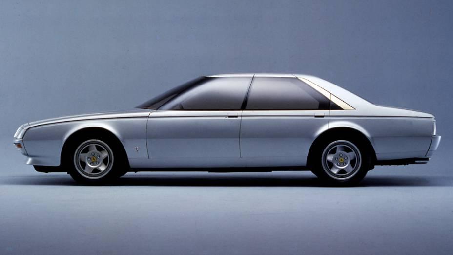 A Pinin Prototipo, a primeira Ferrari com carroceria quatro portas, surgiu em 1980, durante o Salão de Turim. Foi uma homenagem aos 50 anos de fundação da Pininfarina e ao seu fundador, Battista Pinin Farina, pai de Sergio