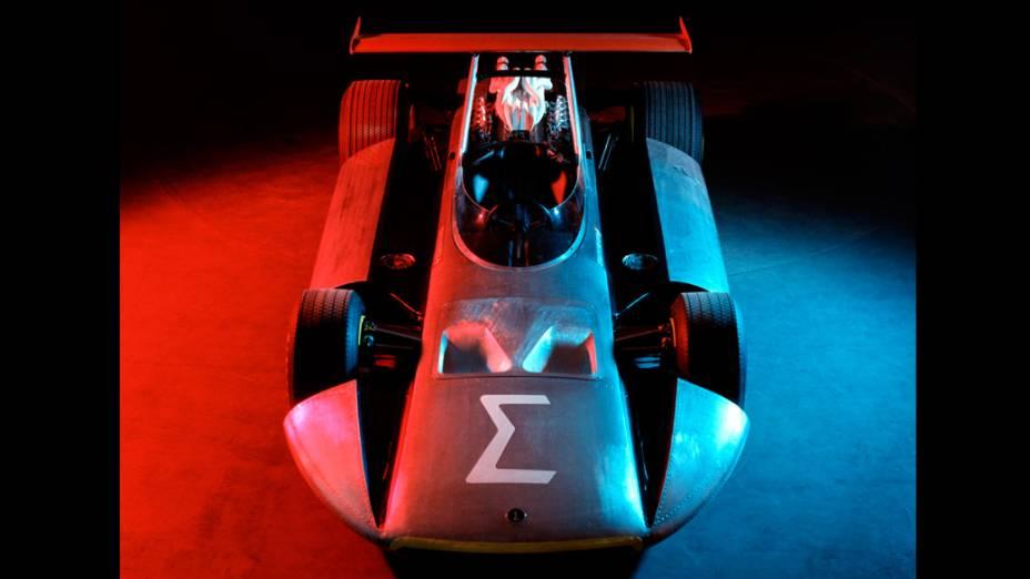 Revelado no Salão de Genebra de 1969, o protótipo Sigma surgiu com o objetivo de melhorar a segurança dos pilotos de F1. Foi desenvolvido com a colaboração da Pininfarina, da Fiat e da Mercedes-Benz e o apoio de Enzo Ferrari
