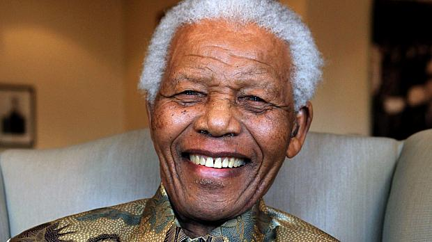 Mandela foi hospitalizado para exames de rotina