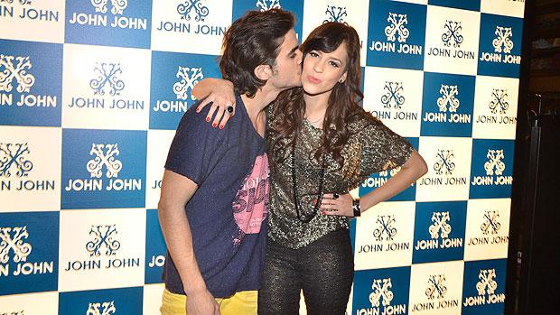 Fiuk e Sophia Abrahão no lançamento da grife John John, em São Paulo