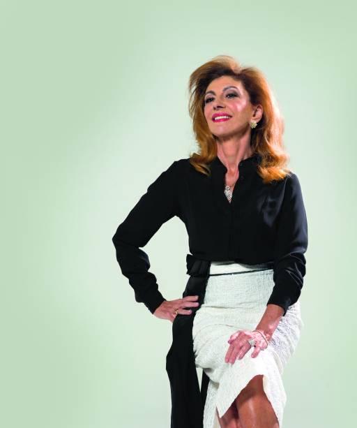 Marília Pêra em foto que estampa sua fotobiografia