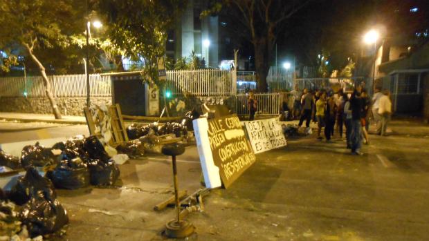 #NoHayPaso na Av. Francisco Solano López, em Chacao