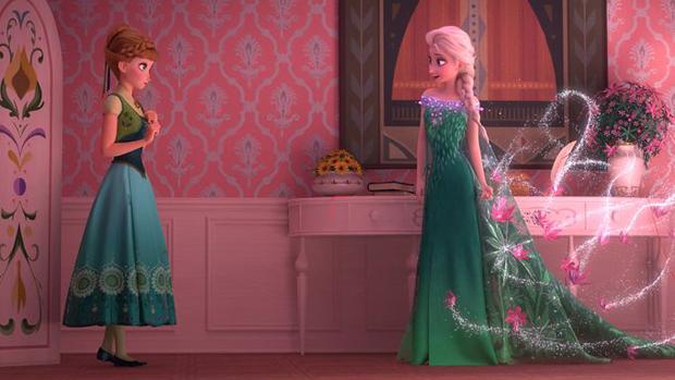 Elsa e sua irmã, Anna, em Frozen: Febre Congelante