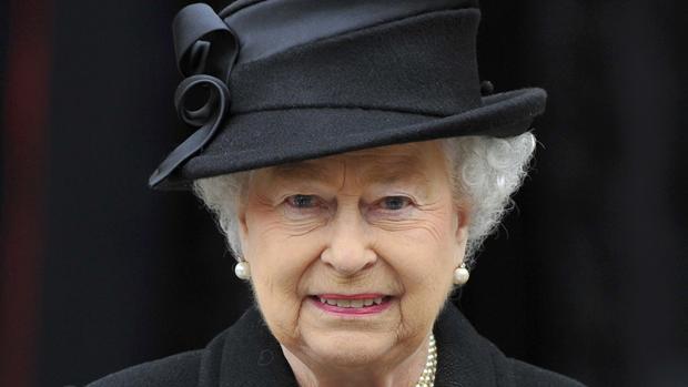 Rainha Elizabeth II durante o funeral da ex-primeira-ministra britânica Margaret Thatcher
