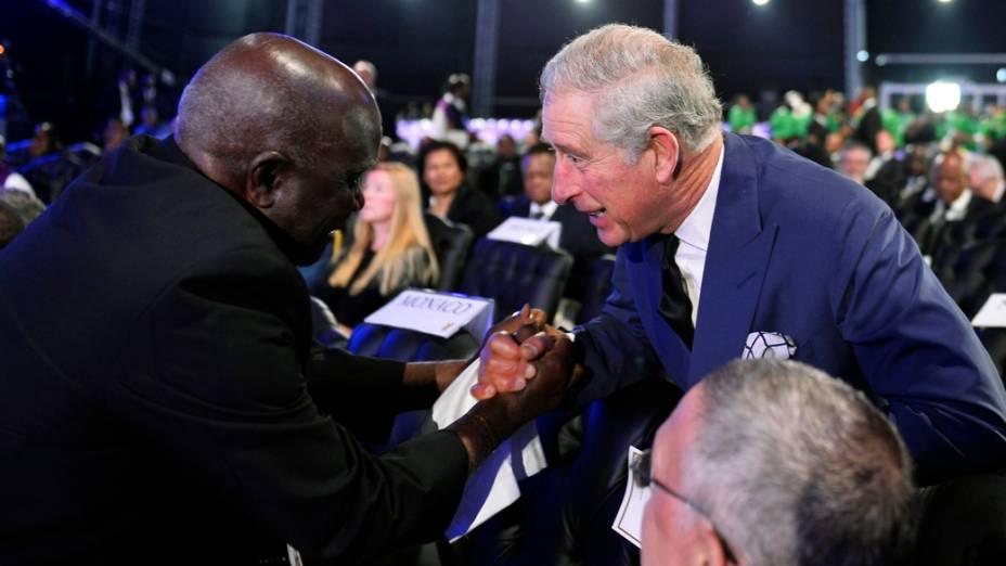 Príncipe Charles no funeral de Nelson Mandela, na África do Sul