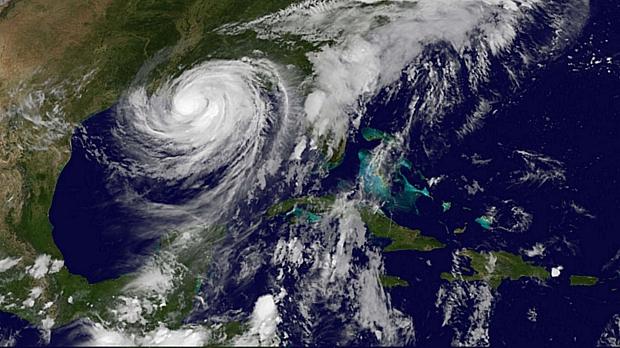 Imagem de satélite mostra o furacão Isaac sobre o Golfo do México e a costa dos EUA