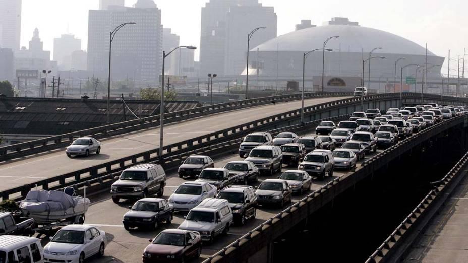 Um dia antes do Furacão Katrina atingir Nova Orleans, a população deixou a cidade, em 28 de agosto de 2005