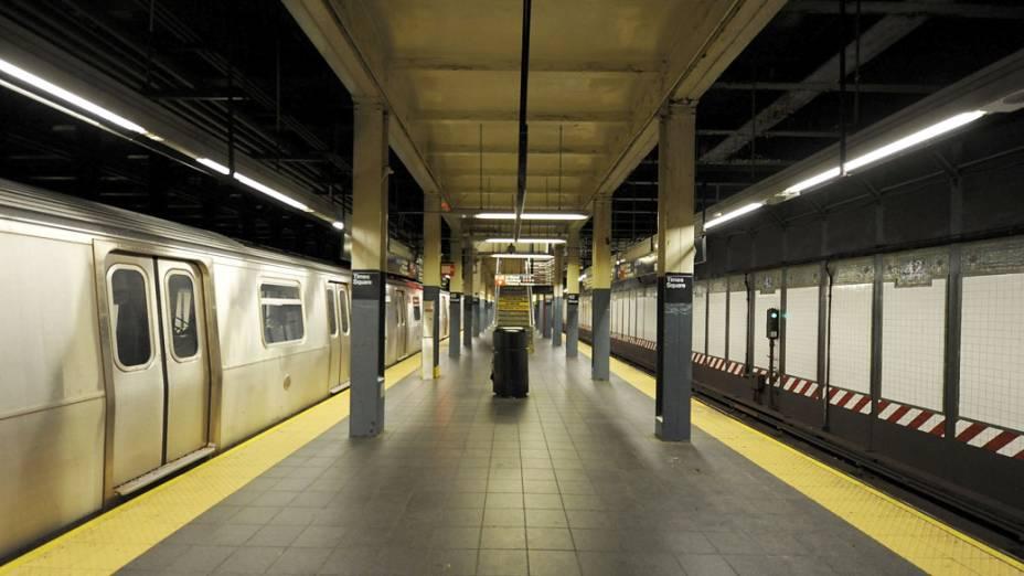 Em Nova York, todo o sistema de transporte público parou devido à aproximação do furacão Sandy