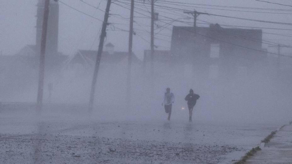 Furacão Sandy atinge costa leste dos Estados Unidos no estado de Nova Jersey