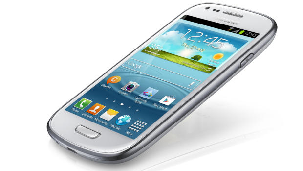 Samsung apresenta Galaxy S 3 Mini ao Brasil