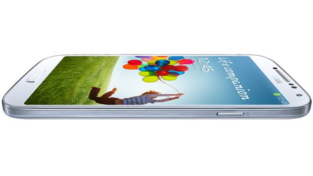Samsung manteve o design elegante utilizado no Galaxy S3