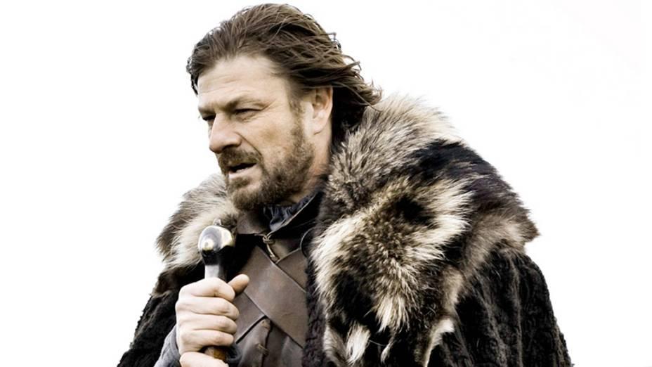 """Sean Bean (Senhor dos Anéis) é o austero Eddard """"Ned"""" Stark, patriarca de uma tradicional família do gelado norte de Westeros, o continente imaginário onde acontece a série"""