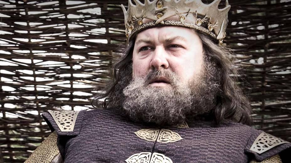 Há 17 anos, Robert Baratheon (Mark Addy, Robin Hood) foi o líder da implacável rebelião que derrubou a dinastia Targaryen, depois de 300 anos no poder. O rei é amigo de infância de Ned Star, os dois foram criados juntos