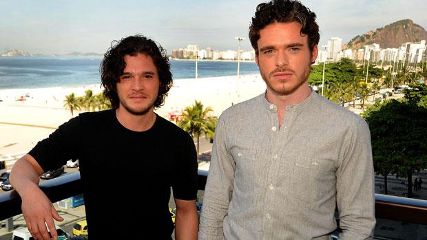 Richard Madden e Kit Harington divulgam a segunda temporada de <em>Guerra dos Tronos</em> no Rio