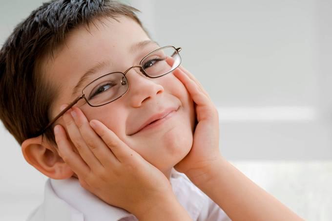 garoto-feliz-oculos-20120504-original.jpeg
