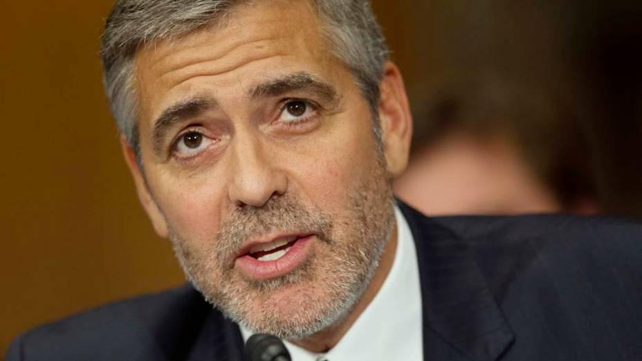 George Clooney no senado durante a Comissão de Relações Exteriores sobre o Sudão, em Washington, nos Estados Unidos