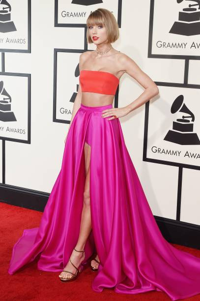 Taylor Swift no tapete vermelho do Grammy 2016
