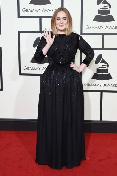 Adele no tapete vermelho do Grammy 2016