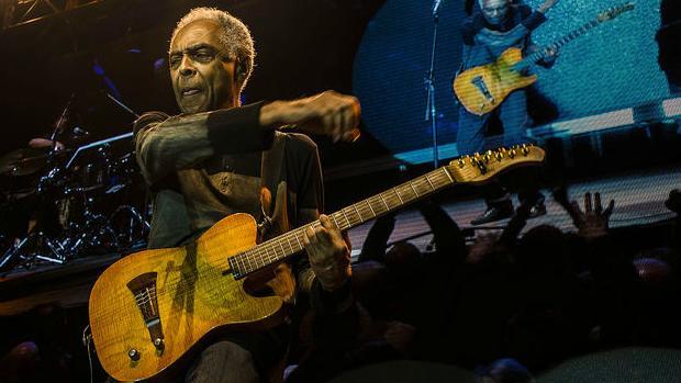 Gilberto Gil faz show de abertura na Flip 2013