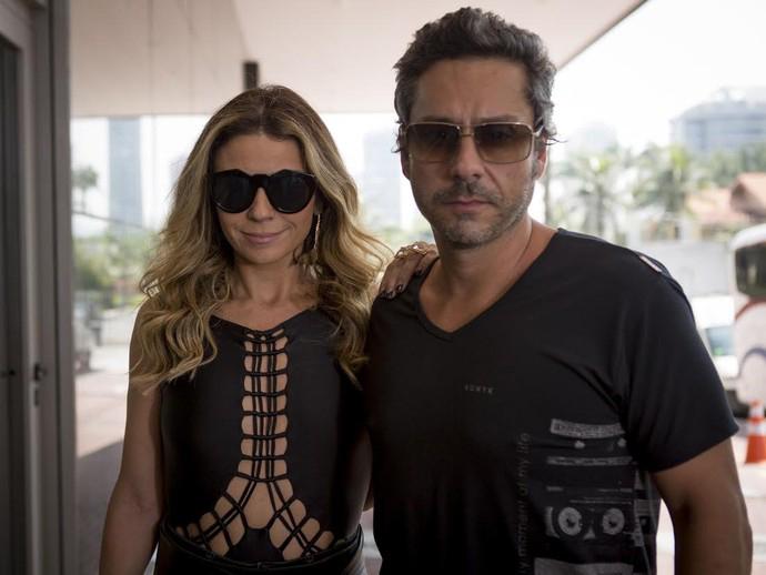 Romero (Alexandre Nero) e Atena (Giovanna Antonelli) em A Regra do Jogo