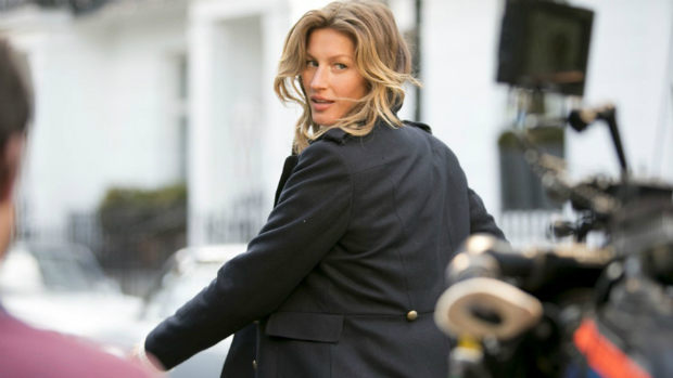 Gisele Bündchen durante fotos para campanha da marca H&M